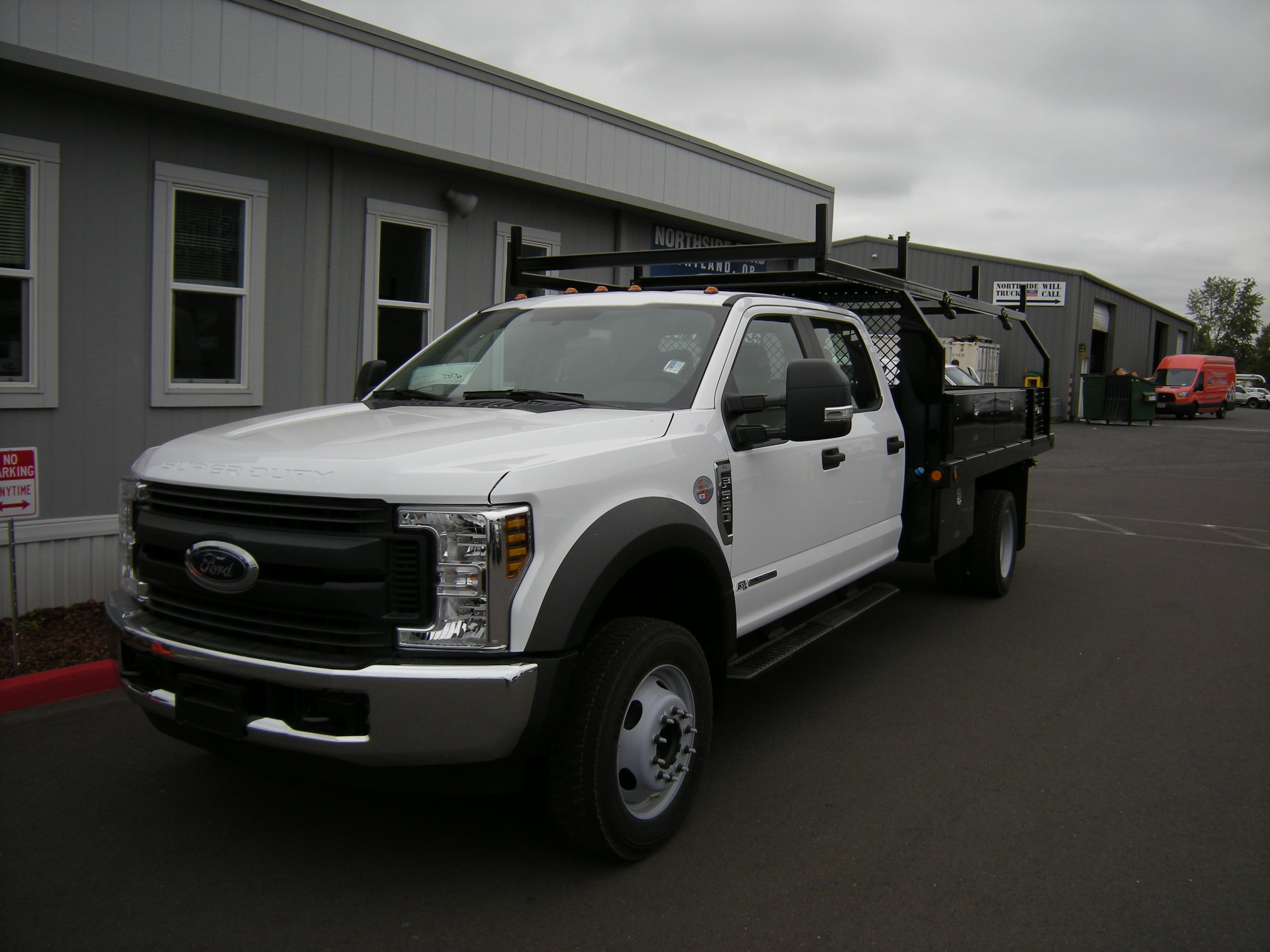 2018 F-550 Crew Cab DRW 4x2,  Reading Contractor Body #5719 - photo 8