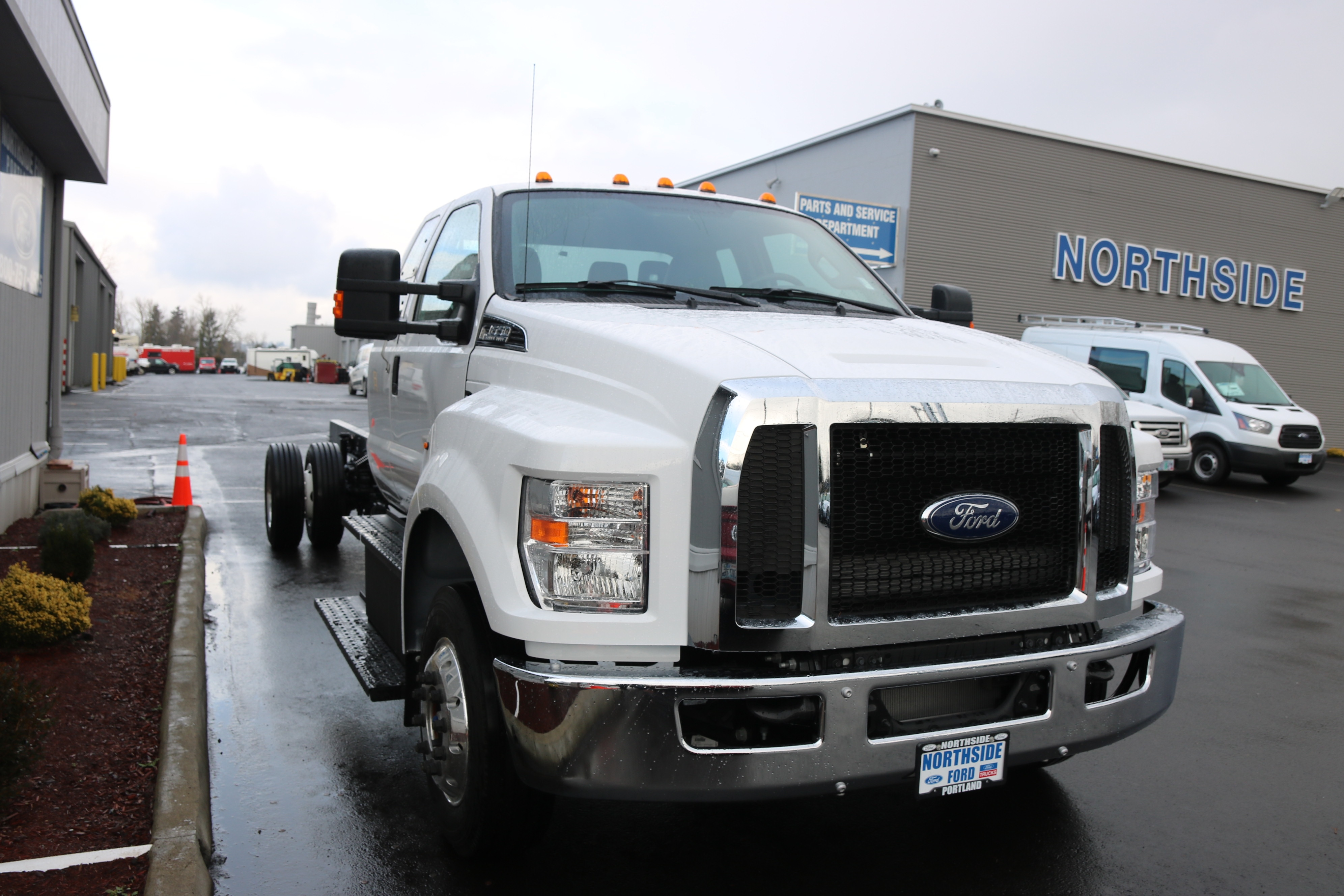 2018 F-650 Super Cab DRW 4x2,  Cab Chassis #6790 - photo 4