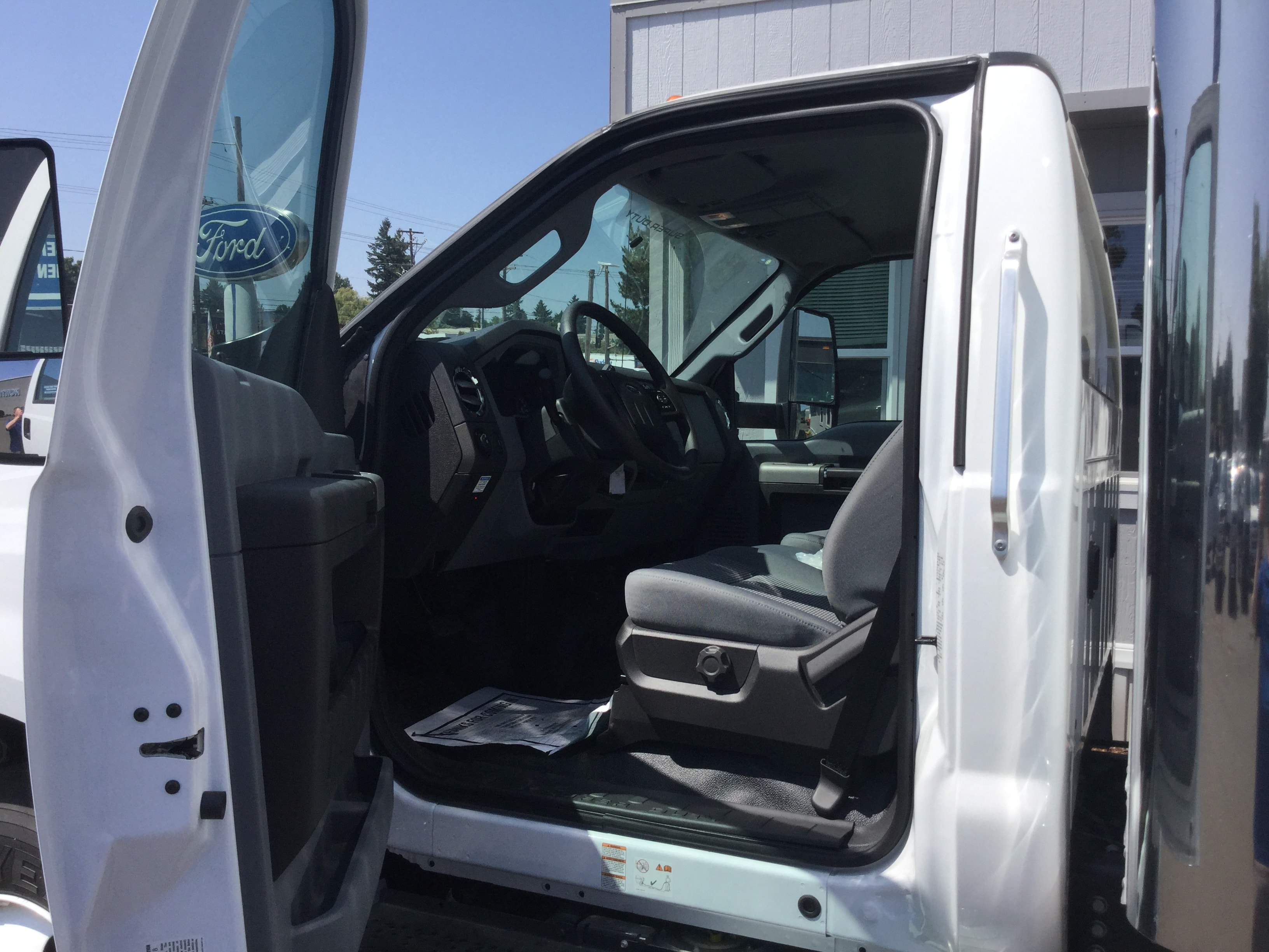 2018 F-650 Regular Cab DRW 4x2,  Summit Dry Freight #6793 - photo 9