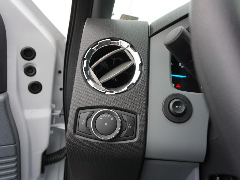 2022 Ford F-650 Regular Cab DRW 4x2, Platform Body #6887 - photo 18