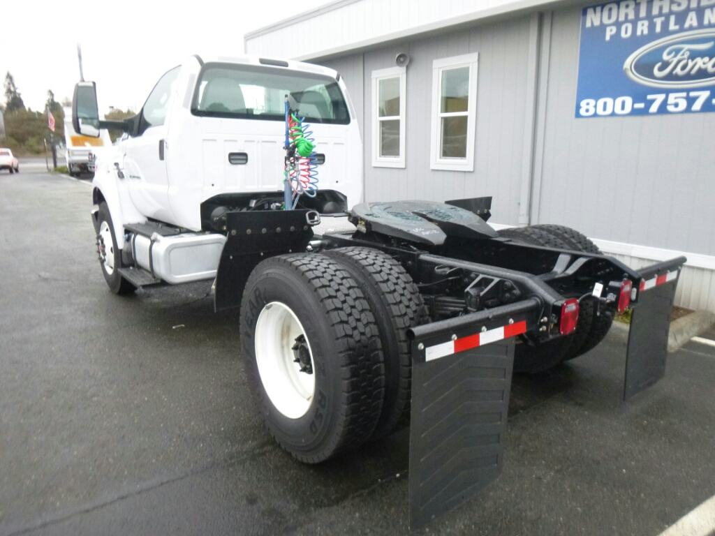 2016 F-750 Regular Cab DRW, Cab Chassis #7013 - photo 2