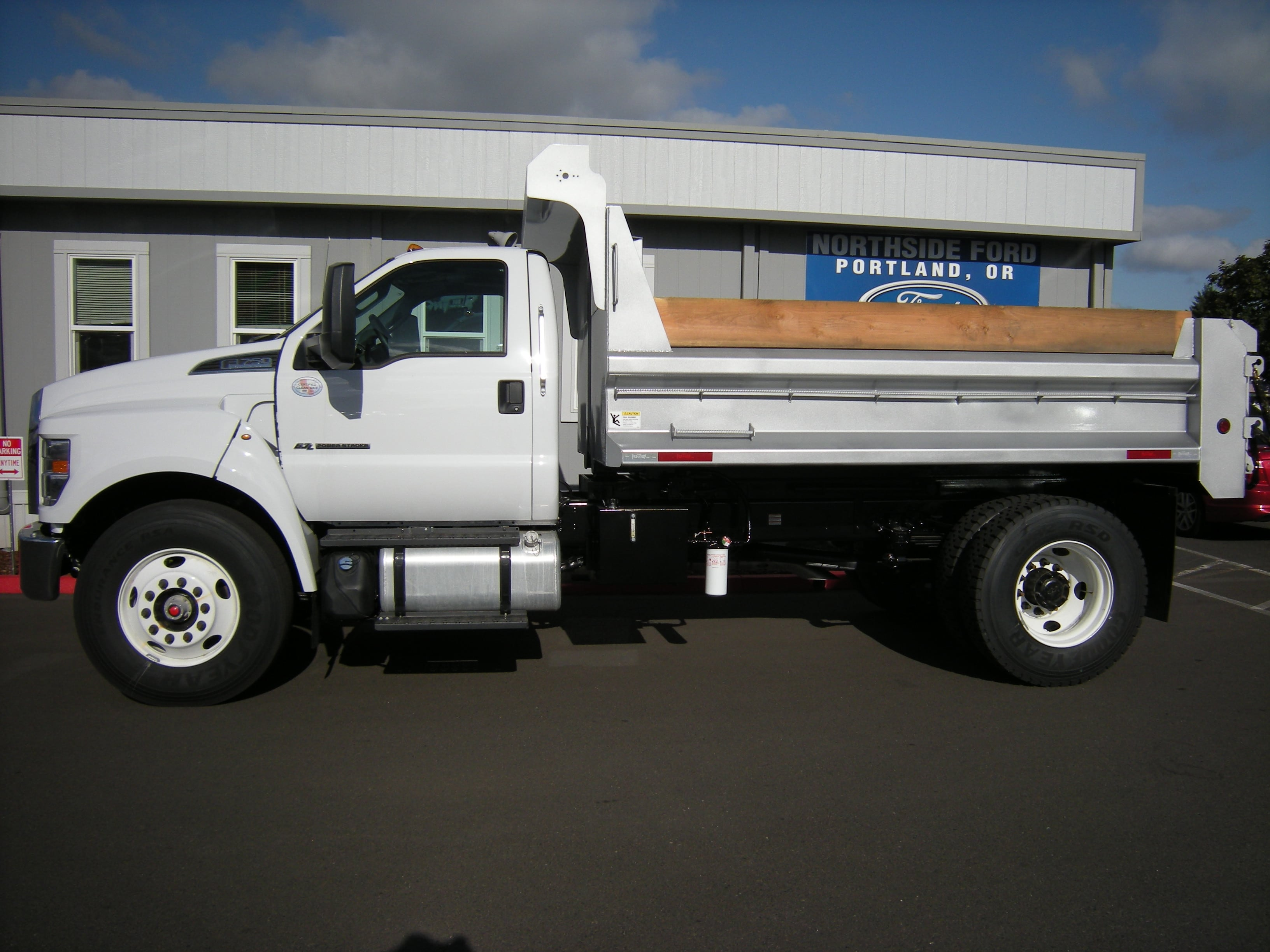 2018 F-750 Regular Cab DRW 4x2,  The Fab Shop Dump Body #7049 - photo 3