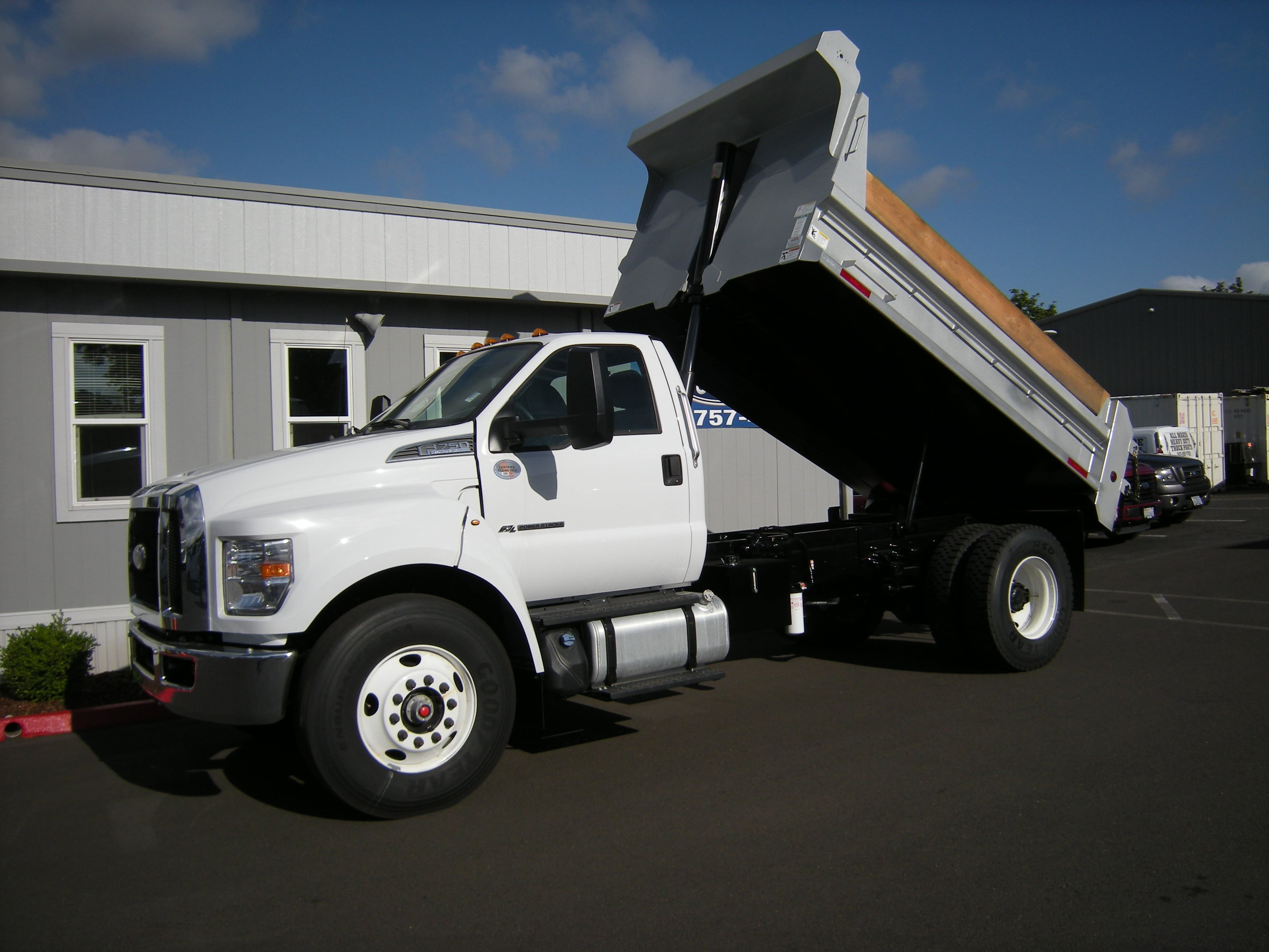 2018 F-750 Regular Cab DRW 4x2,  The Fab Shop Dump Body #7049 - photo 7