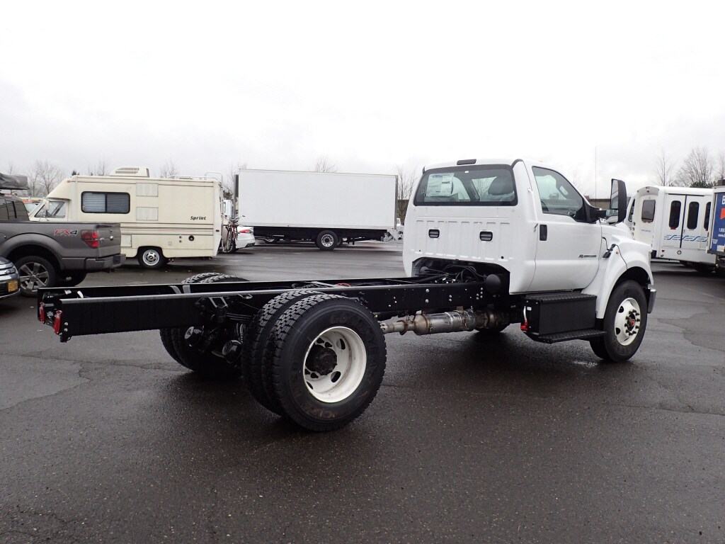 2019 Ford F-750 Regular Cab DRW 4x2, Cab Chassis #7071 - photo 1