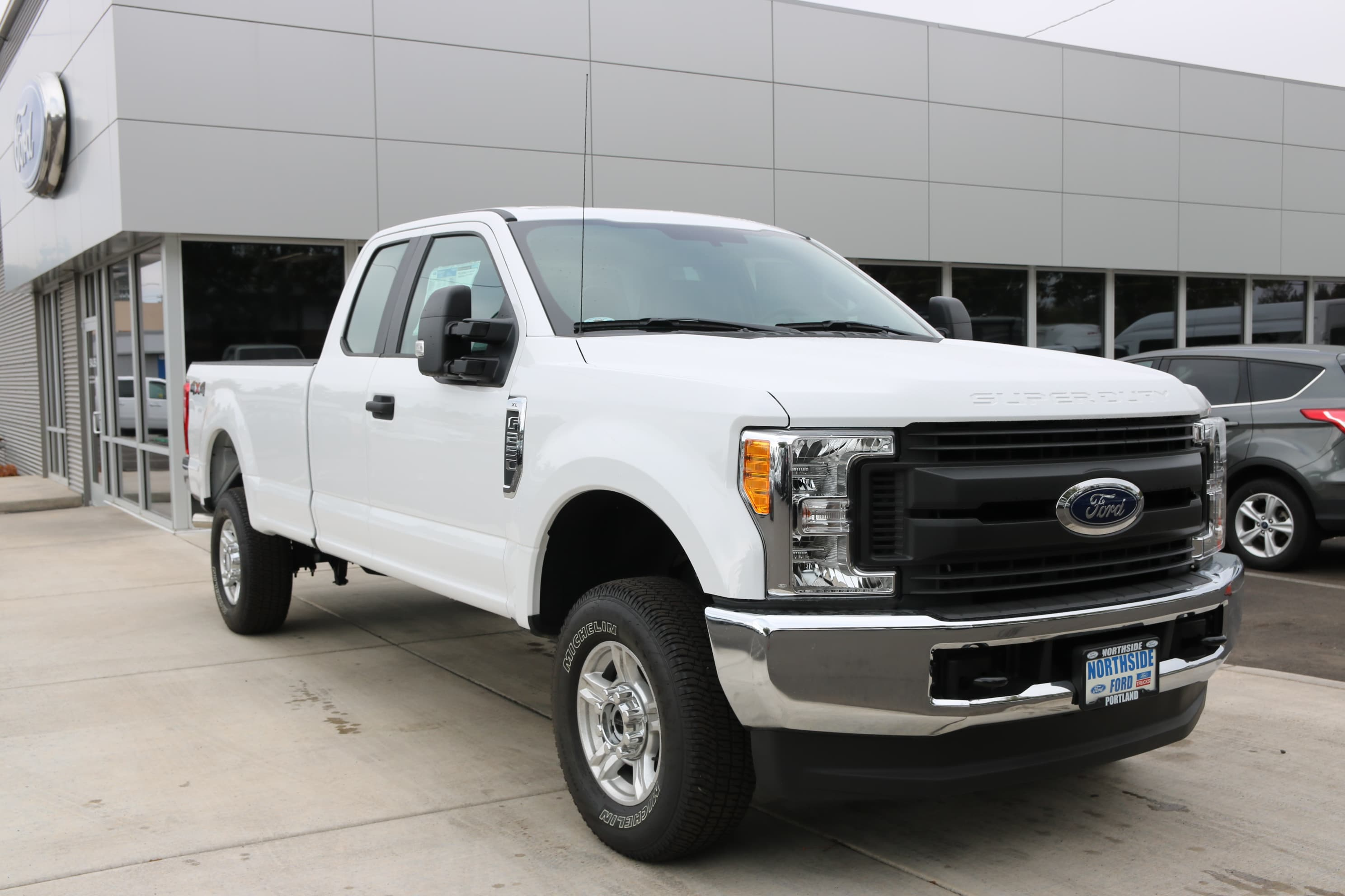 2017 F-250 Super Cab 4x4 Pickup #C74684 - photo 3