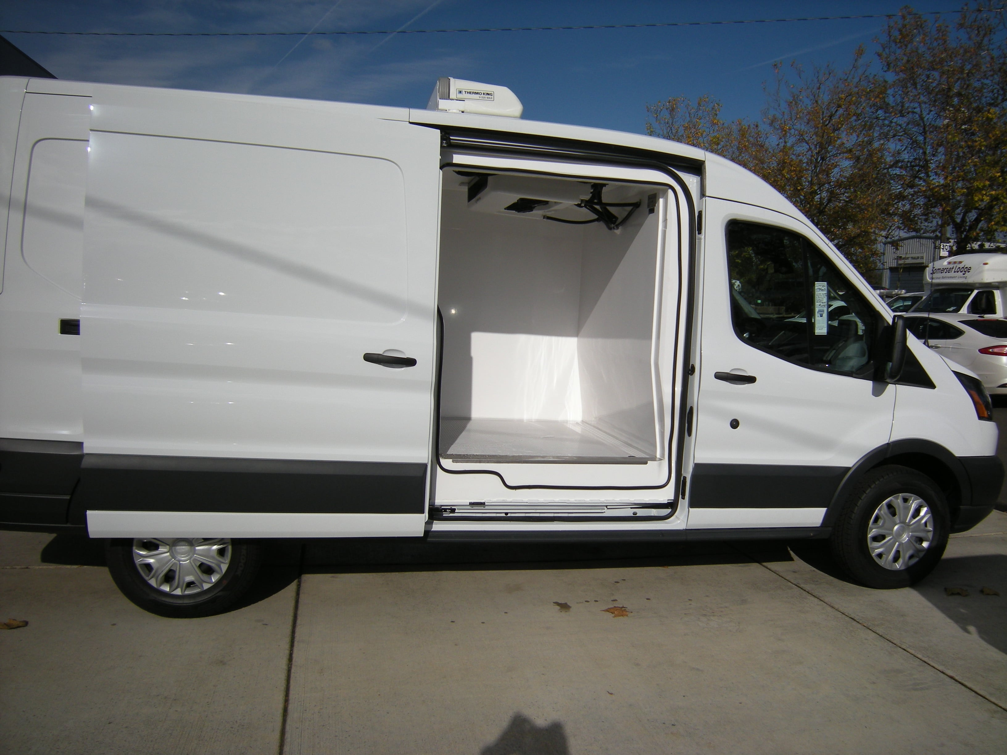2018 Transit 250 Med Roof 4x2,  Thermo King Refrigerated Body #C85603 - photo 3