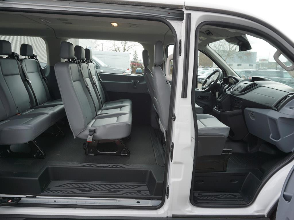 2019 Ford Transit 150 Low Roof 4x2, Passenger Wagon #C97758 - photo 7