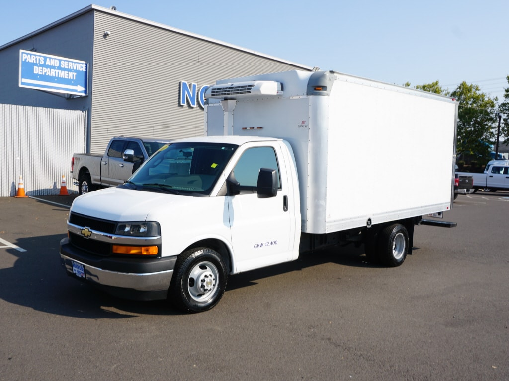 2017 Chevrolet Express 3500 4x2, Refrigerated Body #P4827 - photo 1