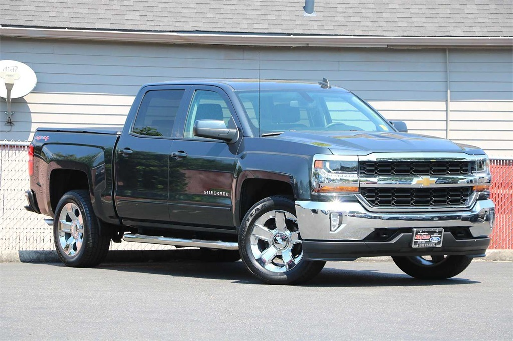 2017 Chevrolet Silverado 1500 Crew Cab 4x4, Pickup #205250A - photo 1