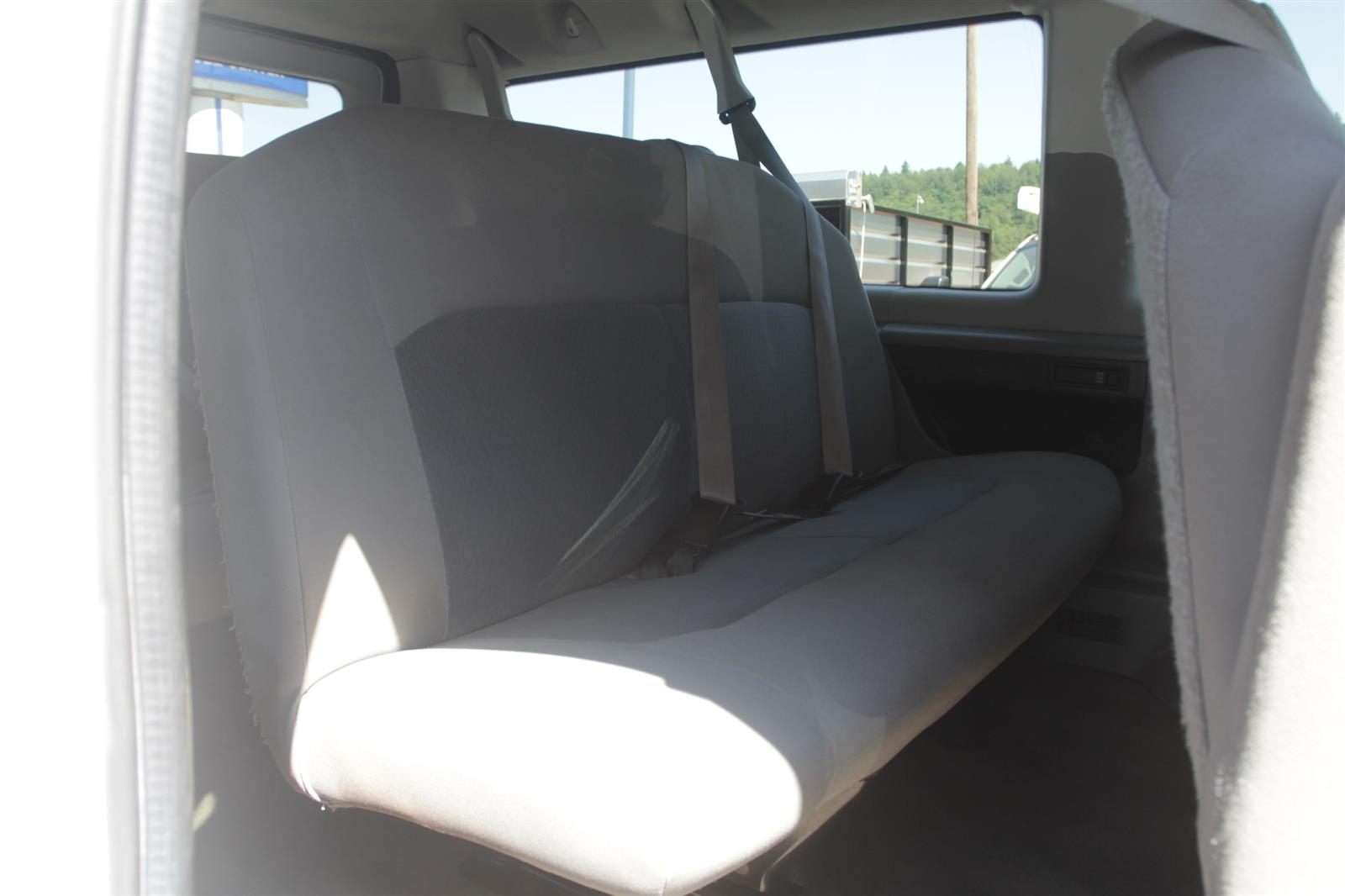 2014 Ford E-350 4x2, Passenger Wagon #52693 - photo 17
