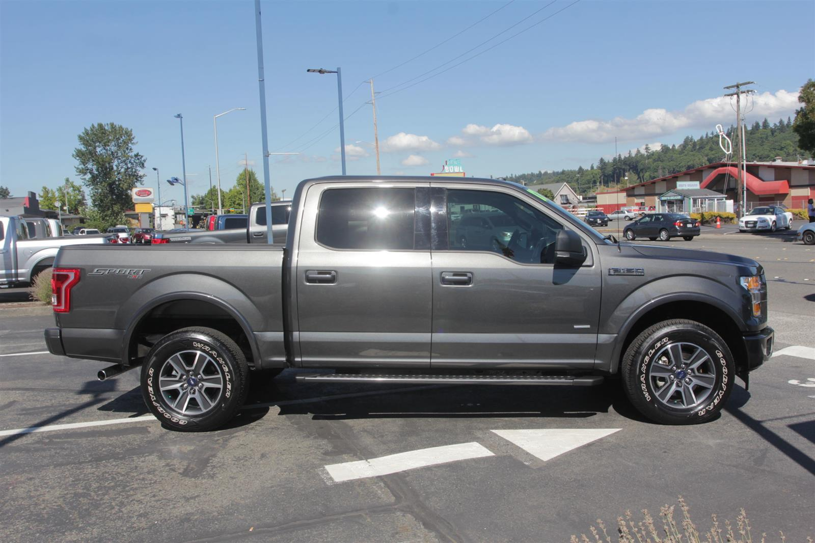 2017 Ford F-150 SuperCrew Cab 4x4, Pickup #52704 - photo 4