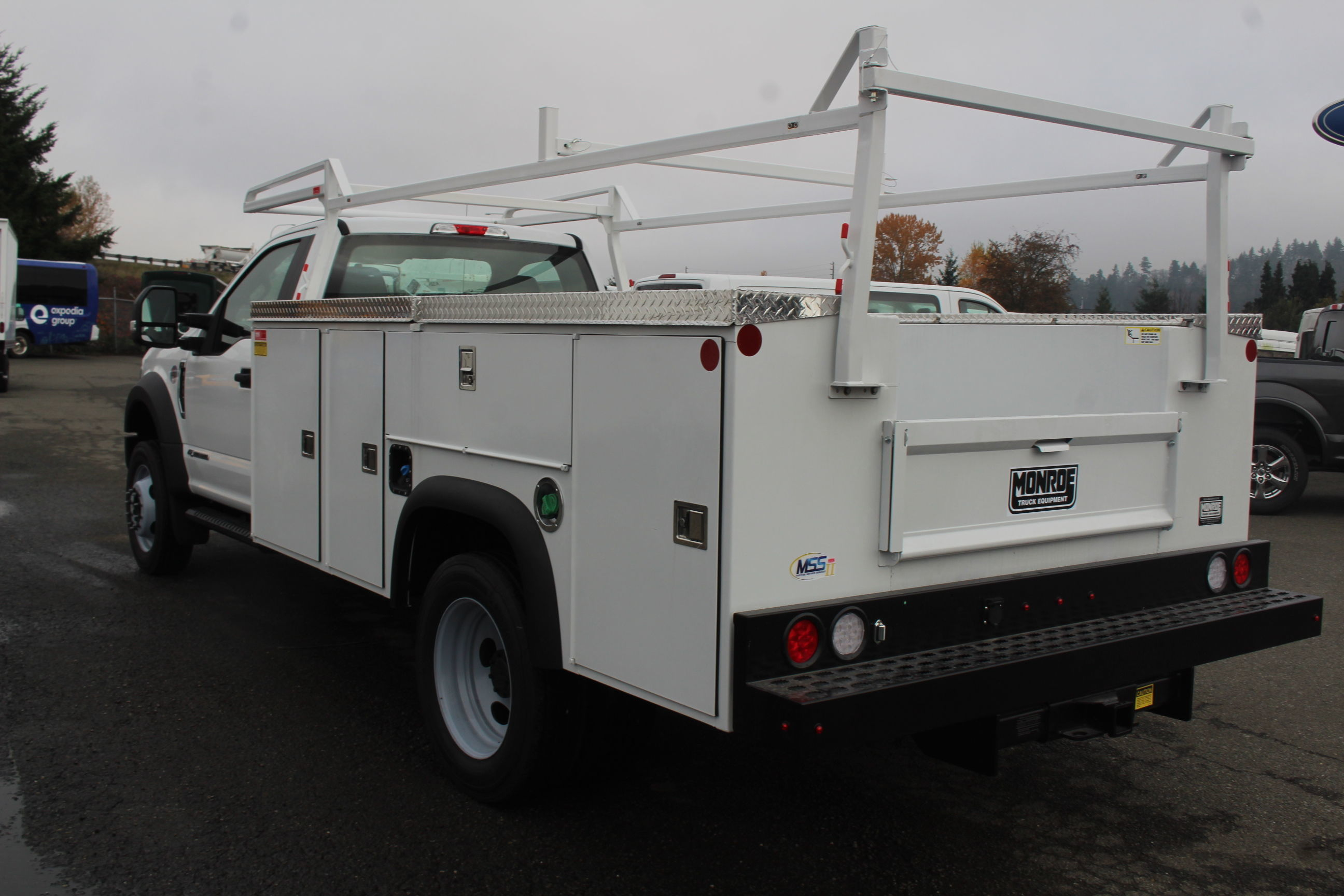 2019 F-550 Regular Cab DRW 4x2, Monroe Service Body #E8663 - photo 1