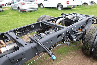 2020 F-550 Regular Cab DRW 4x4, Cab Chassis #E9263 - photo 9
