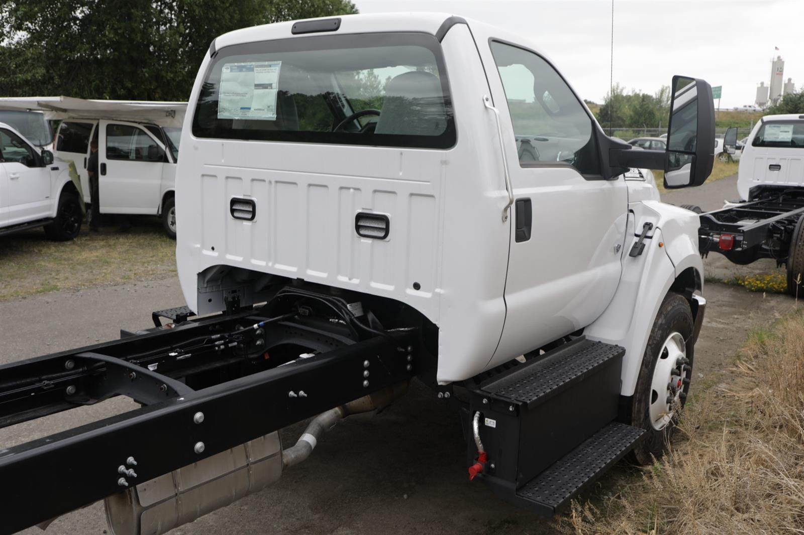2021 Ford F-650 Regular Cab DRW 4x2, Cab Chassis #E9342 - photo 5