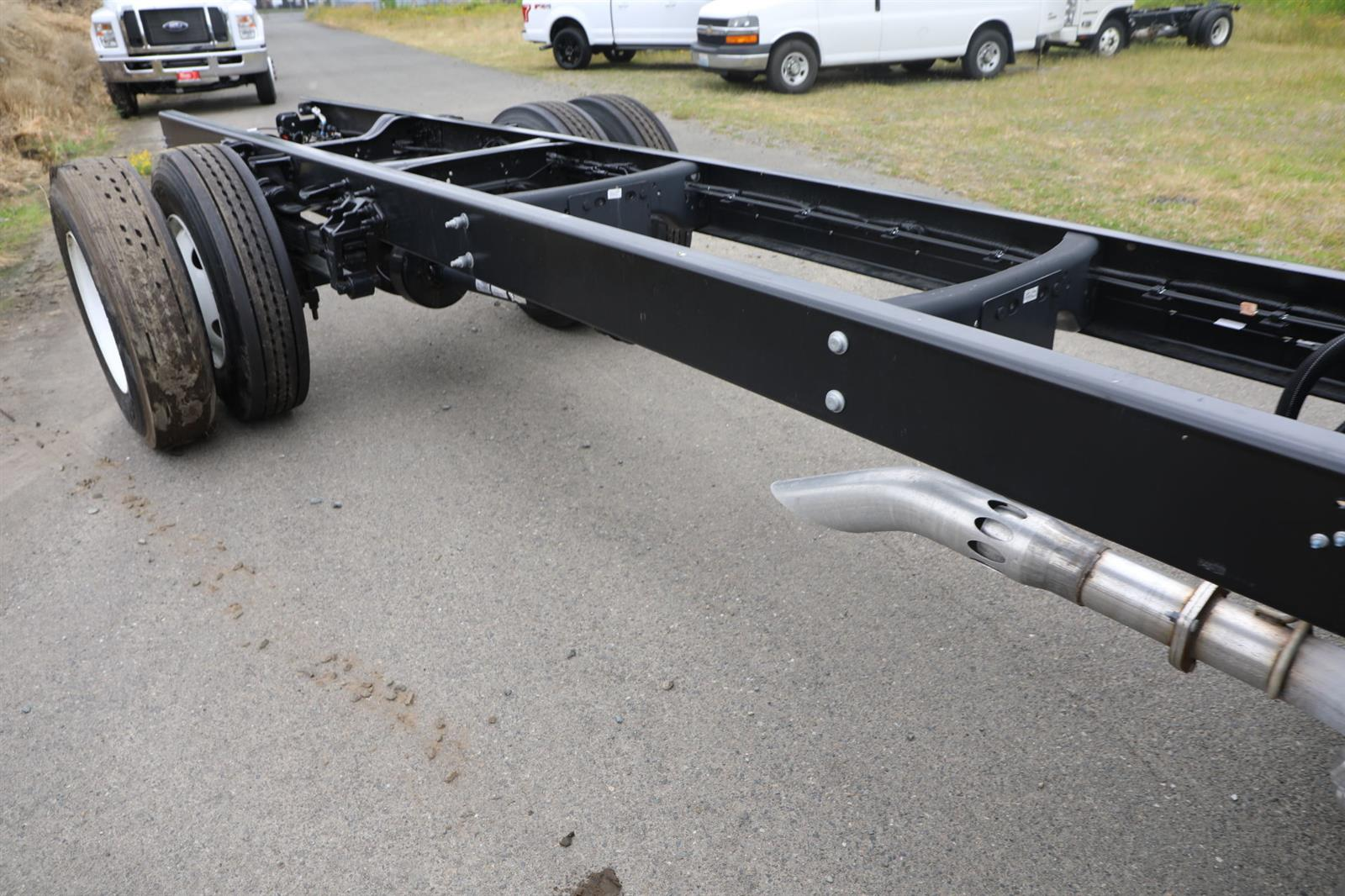 2021 Ford F-650 Regular Cab DRW 4x2, Cab Chassis #E9343 - photo 6