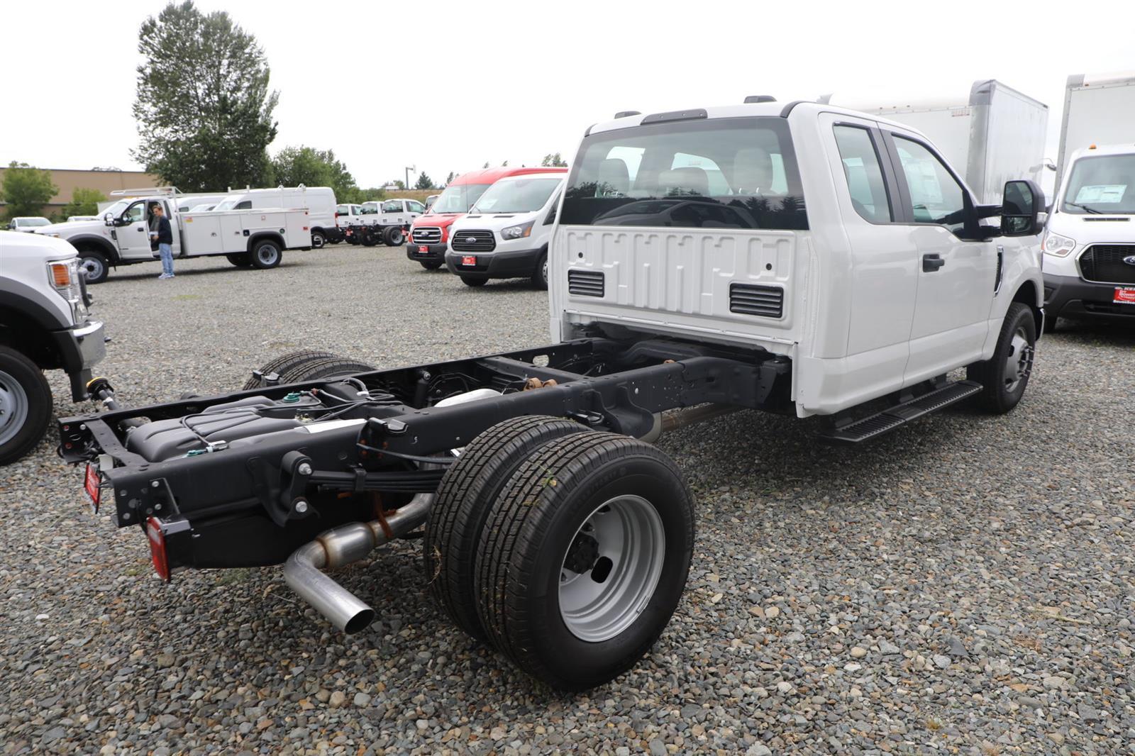 2020 Ford F-350 Super Cab DRW 4x2, Cab Chassis #E9469 - photo 7