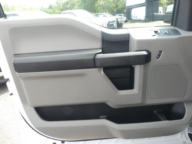 2019 Ford F-550 Regular Cab DRW 4x2, Knapheide Value-Master X Stake Bed #C91315 - photo 18