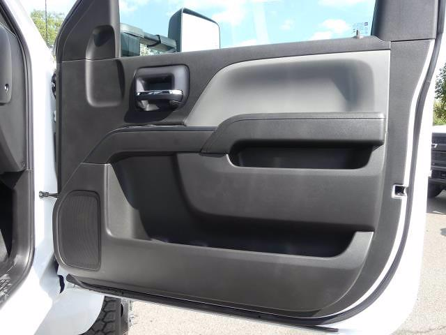 2019 Chevrolet Silverado 5500 Regular Cab DRW 4x4, PJ's Concrete Body #T90830 - photo 17