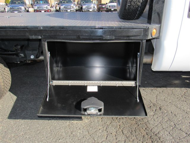2016 F-350 Regular Cab DRW 4x4, Platform Body #GED03763 - photo 4