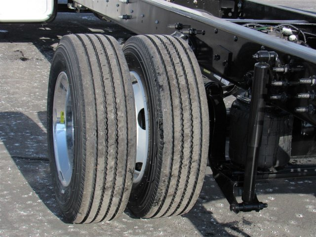 2017 F-650 Super Cab DRW 4x2,  Cab Chassis #HDB04227 - photo 5