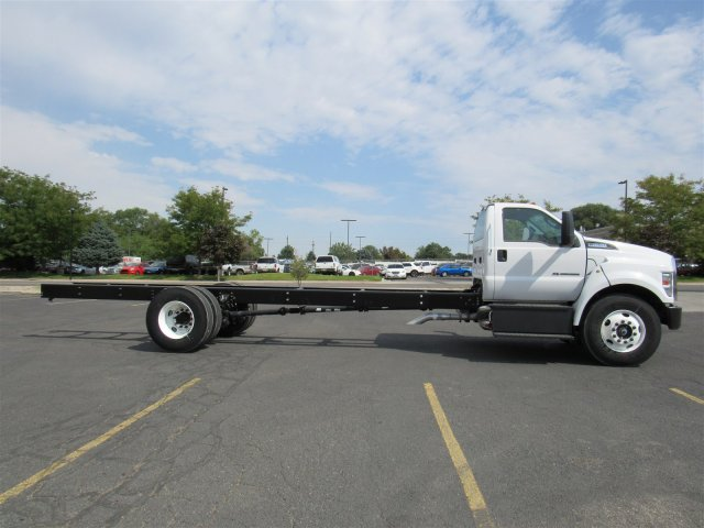 2017 F-650 Regular Cab, Cab Chassis #HDB08582 - photo 3