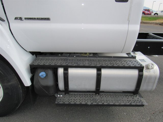 2017 F-650 Regular Cab Cab Chassis #HDB08582 - photo 8