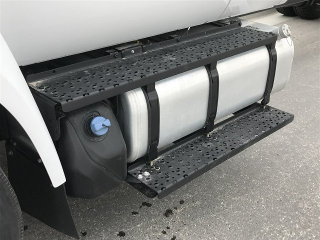 2017 F-650 Super Cab DRW Cab Chassis #HDB08584 - photo 9