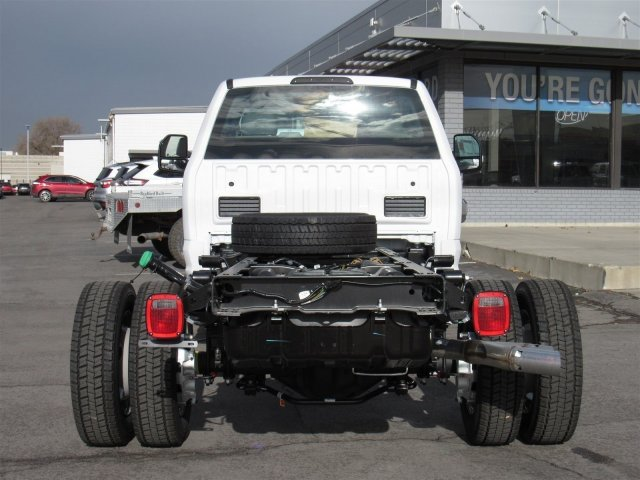 2017 F-550 Regular Cab DRW 4x4, Cab Chassis #HEC03548 - photo 4