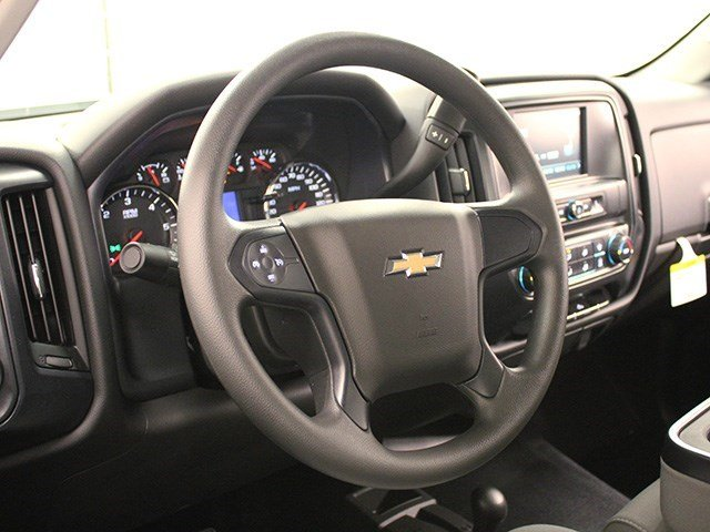 2016 Silverado 3500 Crew Cab 4x4, Pickup #16C304T - photo 13