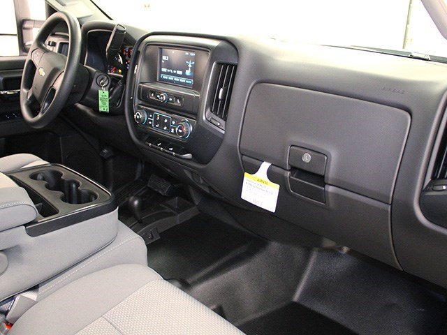 2016 Silverado 3500 Crew Cab 4x4, Pickup #16C304T - photo 25