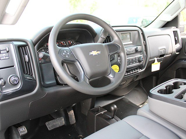 2017 Silverado 3500 Crew Cab 4x4, Reading Service Body #17C100T - photo 18