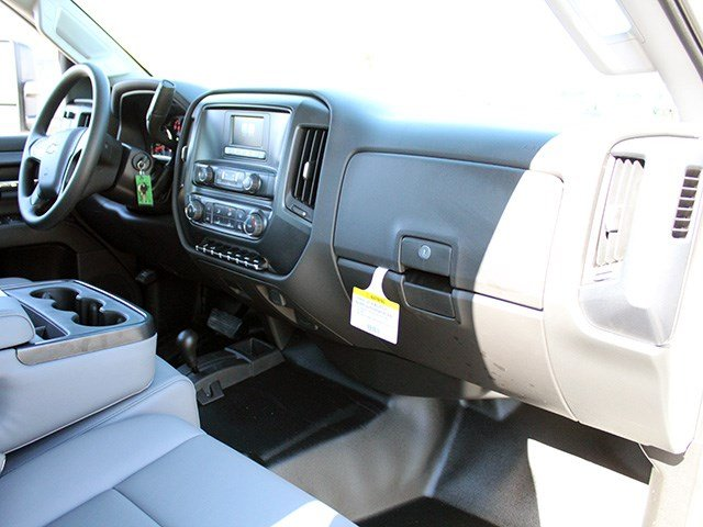 2017 Silverado 3500 Crew Cab 4x4, Reading Platform Body #17C101T - photo 21