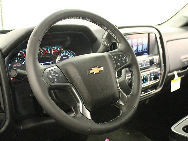 2017 Silverado 2500 Crew Cab 4x4, Pickup #17C106T - photo 15