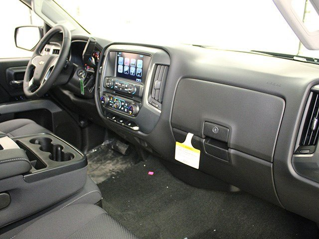 2017 Silverado 2500 Crew Cab 4x4, Pickup #17C106T - photo 24