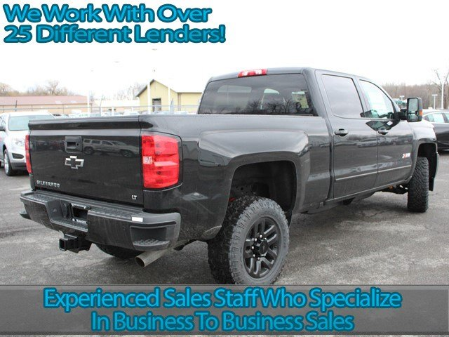 2017 Silverado 2500 Crew Cab 4x4, Pickup #17C121T - photo 2