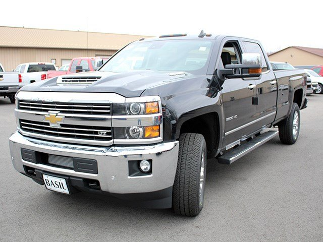 2017 Silverado 3500 Crew Cab 4x4, Pickup #17C125T - photo 7
