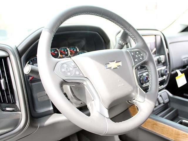 2017 Silverado 3500 Crew Cab 4x4, Pickup #17C129T - photo 15