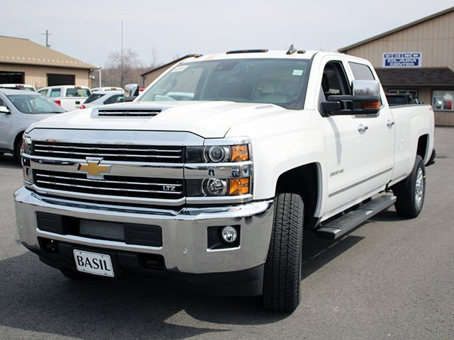 2017 Silverado 3500 Crew Cab 4x4, Pickup #17C129T - photo 7