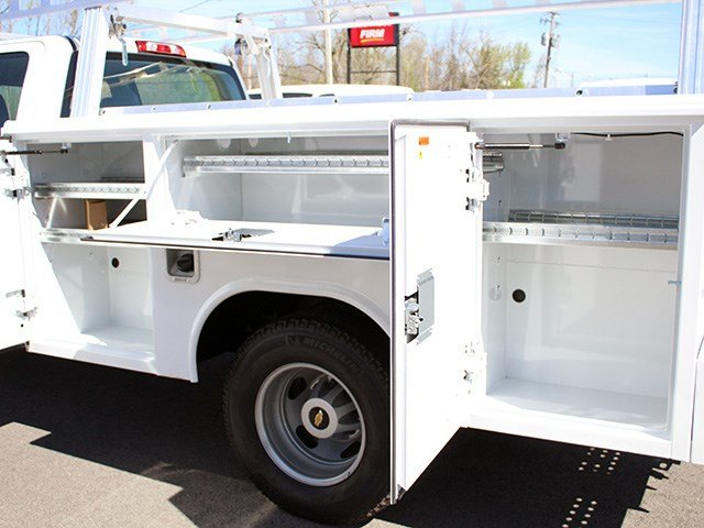 2017 Silverado 3500 Crew Cab 4x4, Reading Service Body #17C151T - photo 10