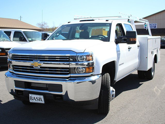 2017 Silverado 3500 Crew Cab 4x4, Reading Service Body #17C151T - photo 7
