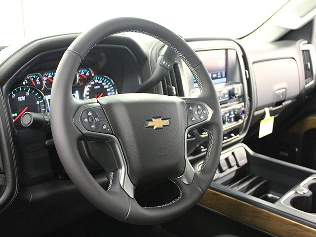 2017 Silverado 3500 Crew Cab 4x4, Pickup #17C197T - photo 16
