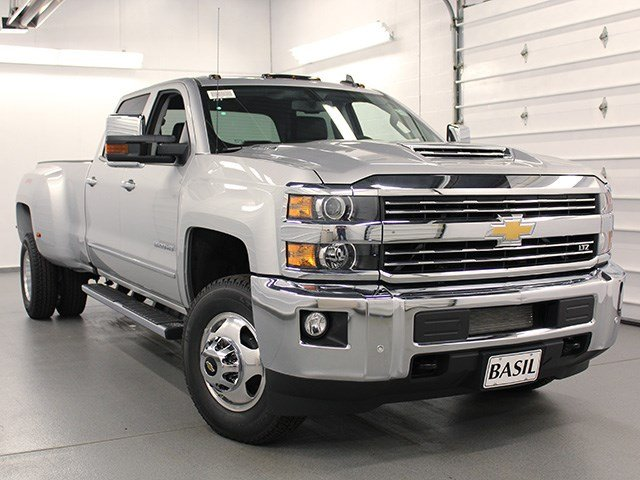 2017 Silverado 3500 Crew Cab 4x4, Pickup #17C197T - photo 8