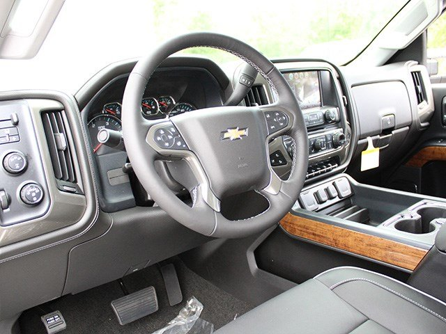 2017 Silverado 2500 Crew Cab 4x4, Pickup #17C217TD - photo 18