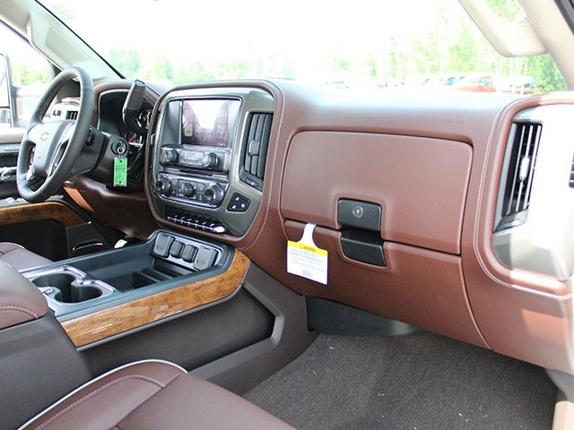 2017 Silverado 2500 Crew Cab 4x4, Pickup #17C222T - photo 26
