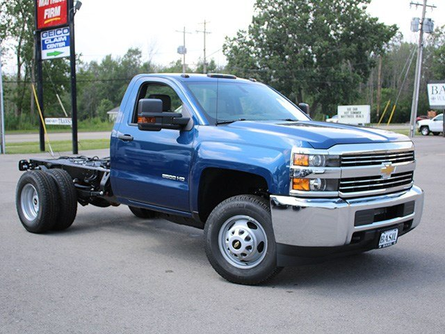 2017 Silverado 3500 Regular Cab 4x4, Cab Chassis #17C223T - photo 3