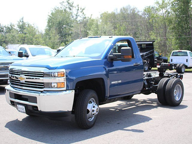 2017 Silverado 3500 Regular Cab 4x4, Cab Chassis #17C223T - photo 4