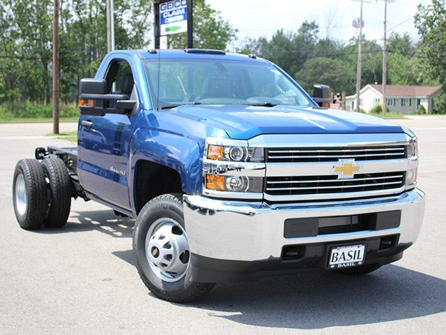 2017 Silverado 3500 Regular Cab 4x4, Cab Chassis #17C223T - photo 9