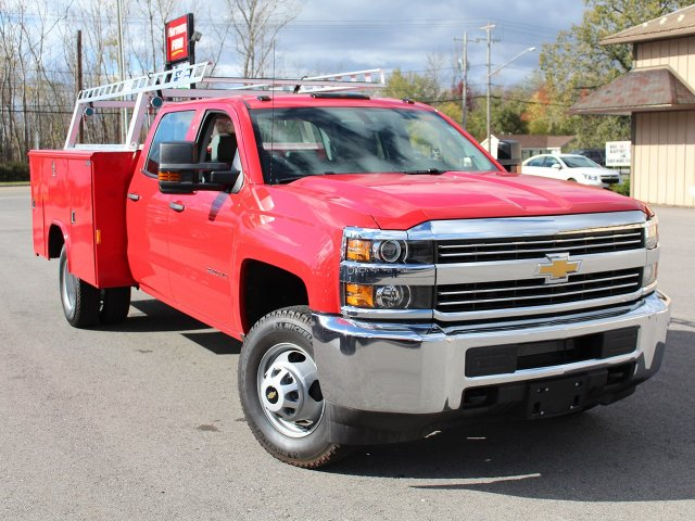 2017 Silverado 3500 Crew Cab DRW 4x4, Reading Service Body #17C257T - photo 9
