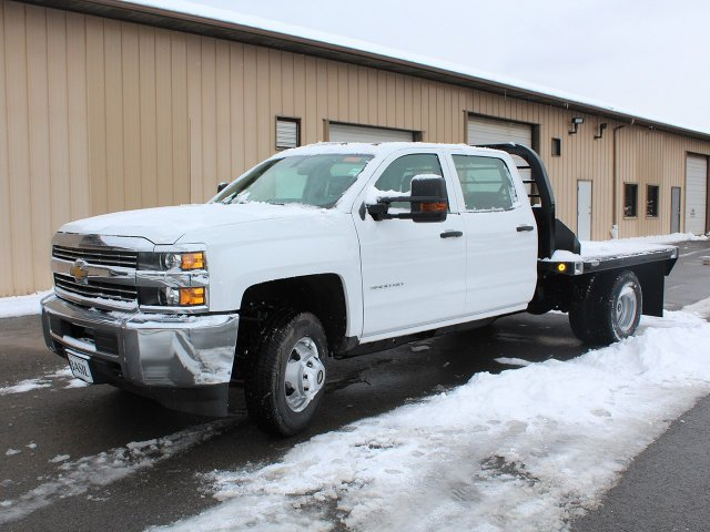 2017 Silverado 3500 Crew Cab DRW 4x4, Reading Redi-Dek Platform Body #17C259T - photo 4