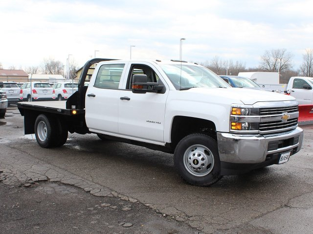 2017 Silverado 3500 Crew Cab DRW 4x4,  Reading Platform Body #17C259T - photo 3